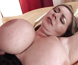enorme-boobs-milf duro jodido