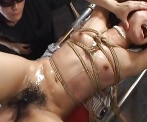 Video porno f bondage no madre e hija 2-por packmans