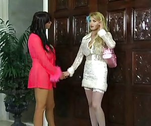 Juegos videos oorno de Taylor wane & summer cummings-lésbico