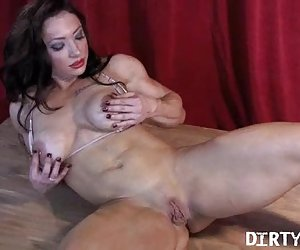 brandimae - dirtymuscle - big clit juego